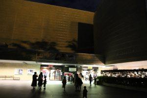 科学館夏まつり夜の外観写真
