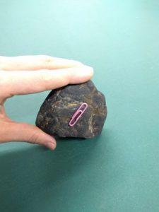 磁鉄鉱とクリップ2