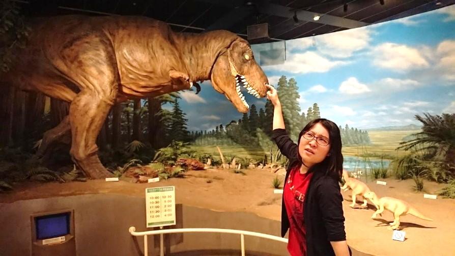 ティラノサウルスと撮影